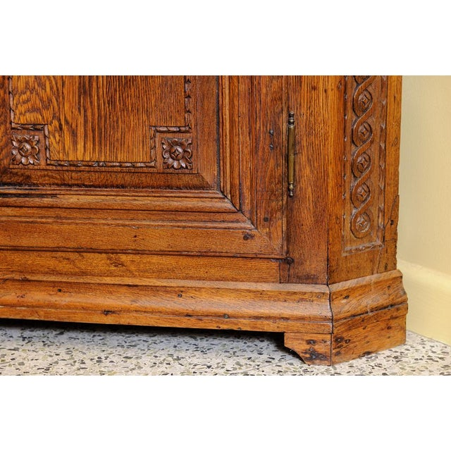 Early 19th Century Antique Oak Corner cabinet For Sale - Image 5 of 10