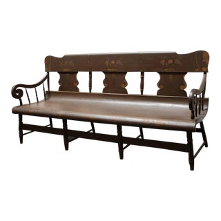 Finely Decorated and Painted 19th Century Settle Bench from Pennsylvania For Sale