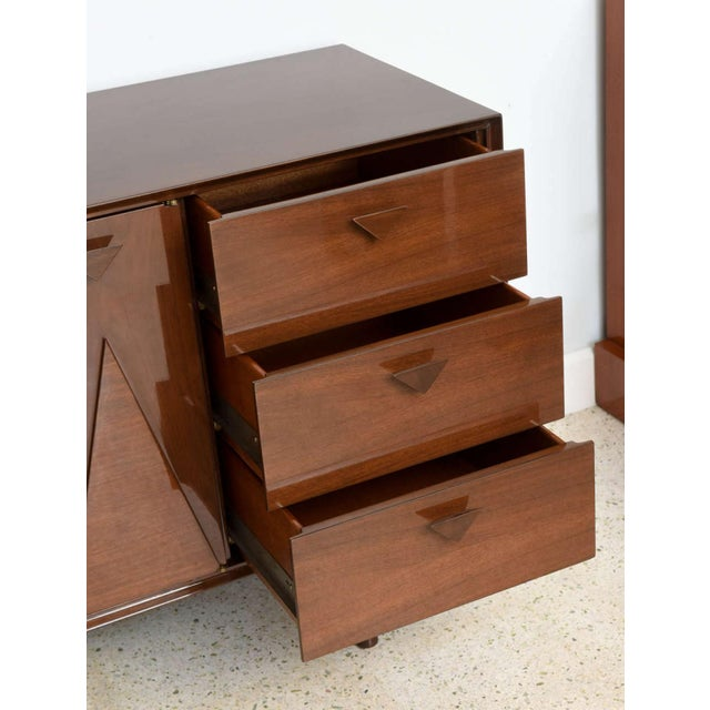 Walnut Italian Modern Walnut Sideboard or Buffet or Credenza in the Style of Gio Ponti For Sale - Image 7 of 9