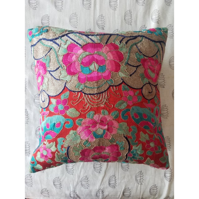 Anglo-Indian Silk Embroidered Tapestry Cushions With Ikat Backs For Sale - Image 13 of 13
