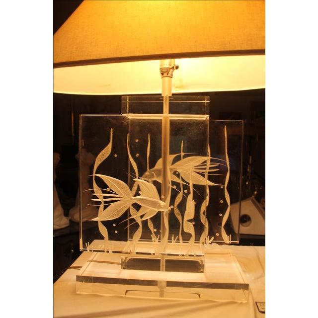 Vintage Art Fish Aquariums Figures Lucite Table Lamp - Image 11 of 11