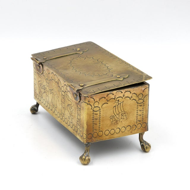 Metal English Dutch Style Brass Table Top Cigarette / Tobacco Boxes, Early 19th Century - a Pair For Sale - Image 7 of 10