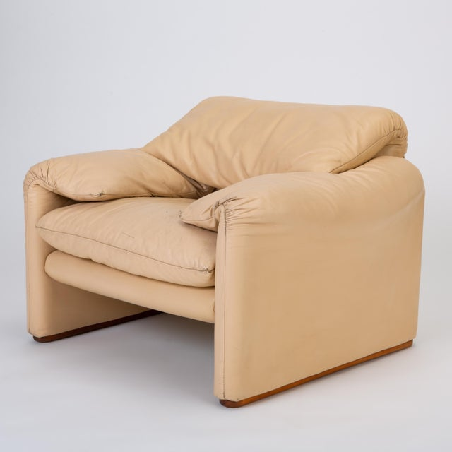 "Leather ""Maralunga"" Chair by Vico Magistretti for Cassina For Sale - Image 13 of 13"
