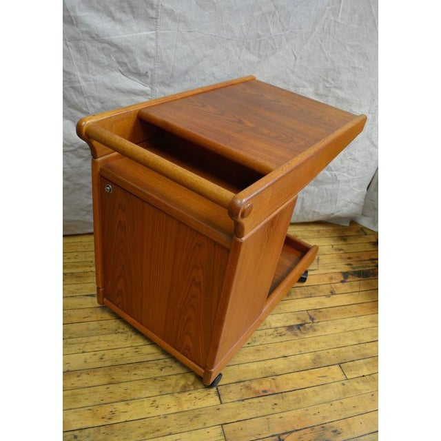 Mid-Century Teak Tea Bar Cart on Wheels - Image 5 of 10