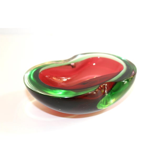 Seguso Murano Glass Red and Green Sommerso Ashtray & Bowl, 1960's For Sale - Image 4 of 13
