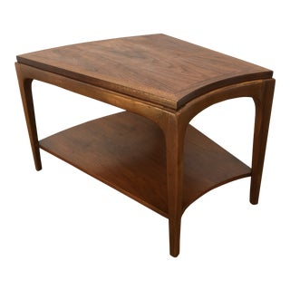 Vintage Mid-Century Lane Walnut Side Table For Sale