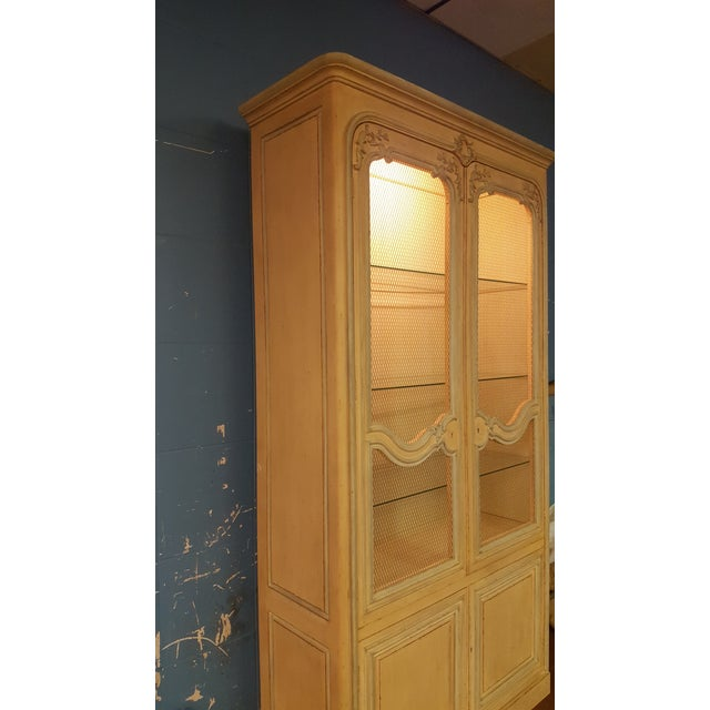 Baker French Provincial China Cabinet - Image 5 of 11