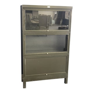 1910s Mid-Century Modern General Fireproofing Company Bookcase For Sale