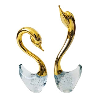 Pair of Vintage Art Glass Swans For Sale