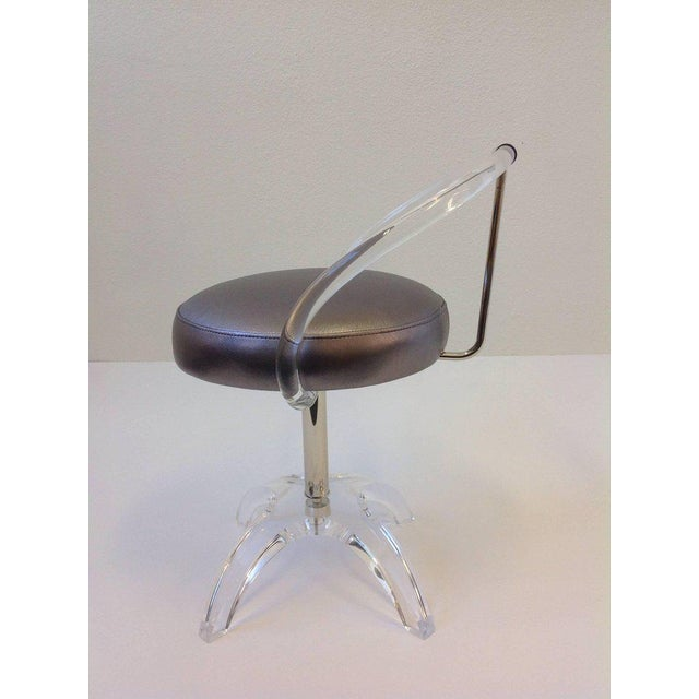 1960s Acrylic and Polished Nickel Swivel Vanity Stool by Charles Hollis Jones For Sale - Image 5 of 7