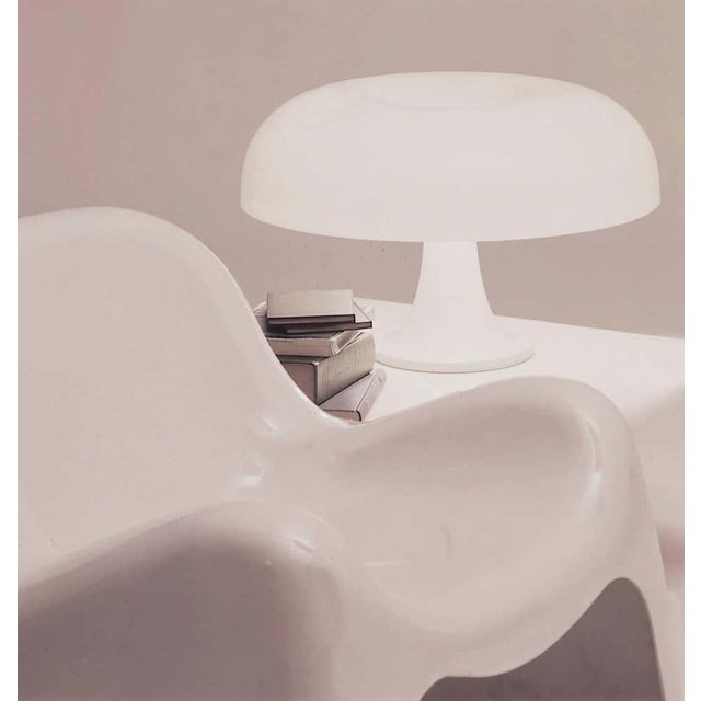 Artemide Giancarlo Mattioli 'Nesso' Table Lamp for Artemide For Sale - Image 4 of 7