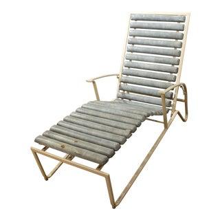 Mid-Century Danish Modern Samsonite Outdoor Patio Metal Lounge Chair For Sale