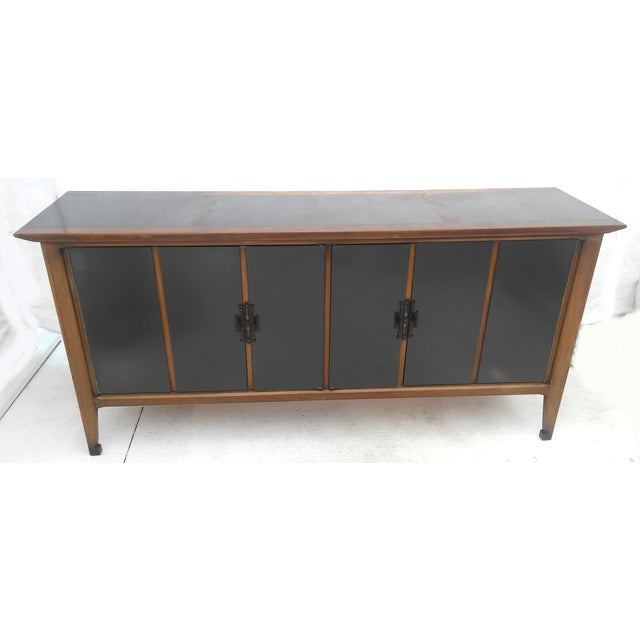 Lacquered White Furniture Co. Mid-Century Dresser - Image 4 of 10