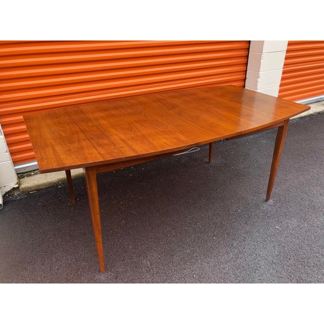 Wood 1960s Mid Century Modern Lane Bow Tie Tuxedo Dining Table For Sale - Image 7 of 7