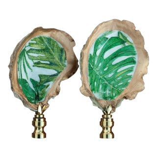 Palm Leaf Oyster Shell Lamp Finials - a Pair For Sale