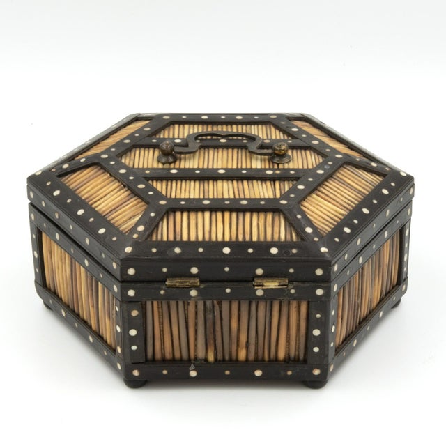 Late 19th Century Pair of Ebony and Porcupine Quill Hexagonal Boxes, Ceylon, Circa 1880 For Sale - Image 5 of 10