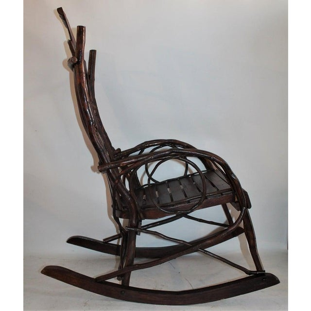 1930s Amish Bent Wood Adults and Child's Rocking Chairs - Set of 2 For Sale - Image 5 of 12