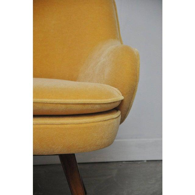 Mid 20th Century Vladimir Kagan Walnut Frame Lounge Armchair For Sale - Image 5 of 11