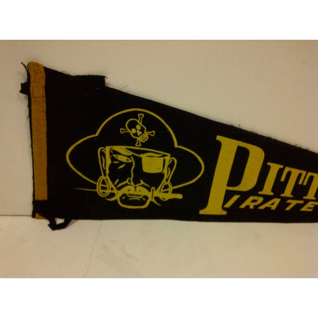 1950s Vintage MLB Pittsburgh Pirates Black & Gold Team Pennant For Sale - Image 4 of 6