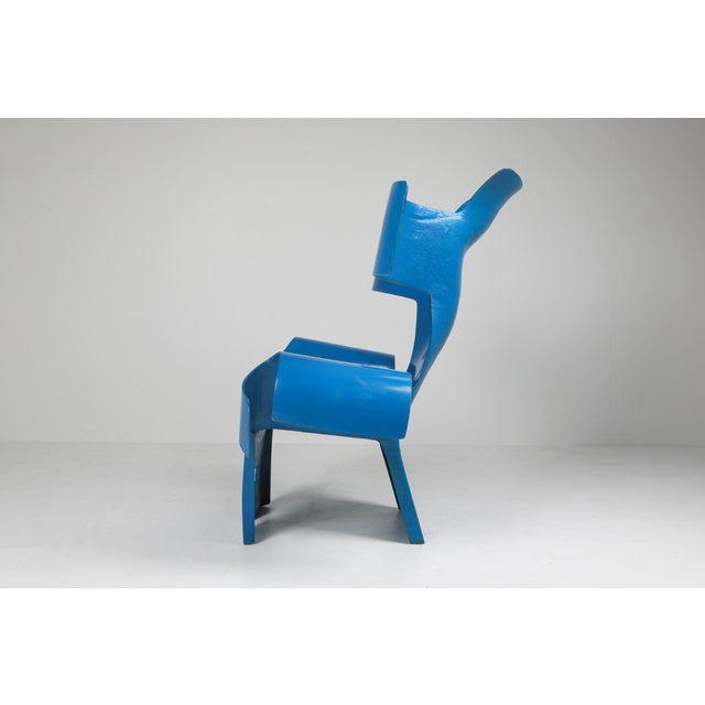 Collectible design, functional art piece, Italy 1980s free from sculpture throne chair in blue resin and fiberglass...