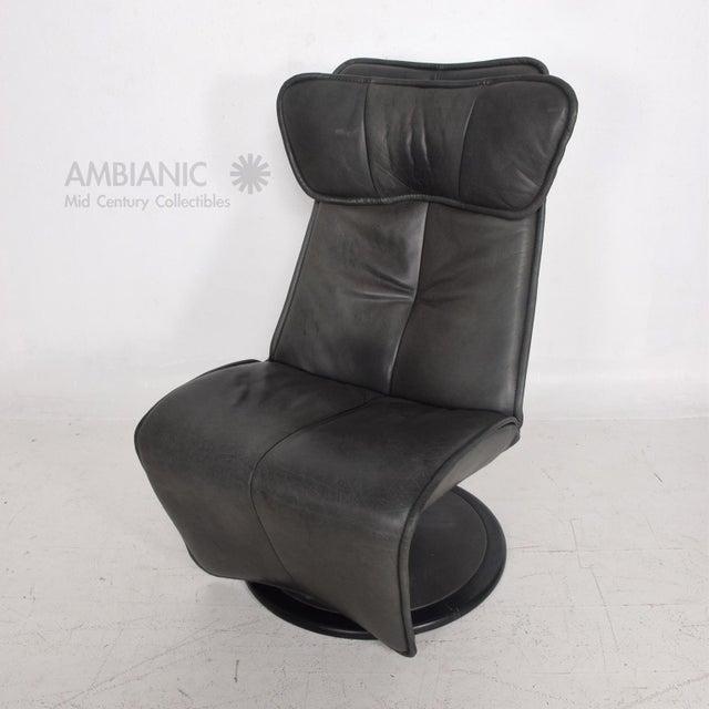 Mid-Century Modern Pair of Contura Zero Gravity Recliner Chair by Modi, Hjellegjerde For Sale - Image 3 of 10