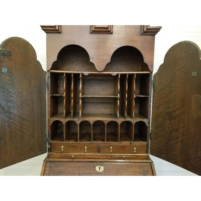 17th CenturyEnglish Walnut Double Dome Bureau For Sale In New York - Image 6 of 13