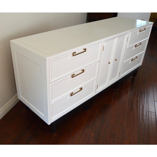 American of Martinsville Mid-Century White Dresser - Image 5 of 10