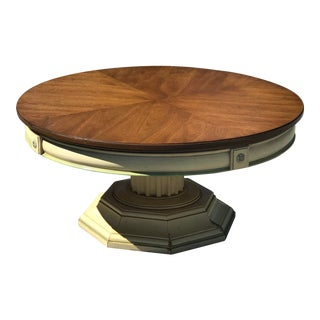 1960s Traditional Thomasville Round Coffee Table For Sale