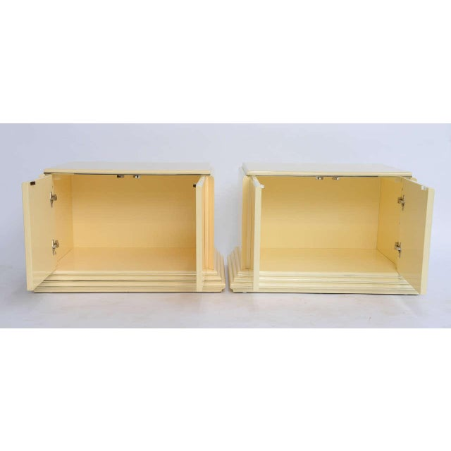Art Deco 1970s Mid-Century Modern Rougier Cream Lacquer Bedside Tables - a Pair For Sale - Image 3 of 9