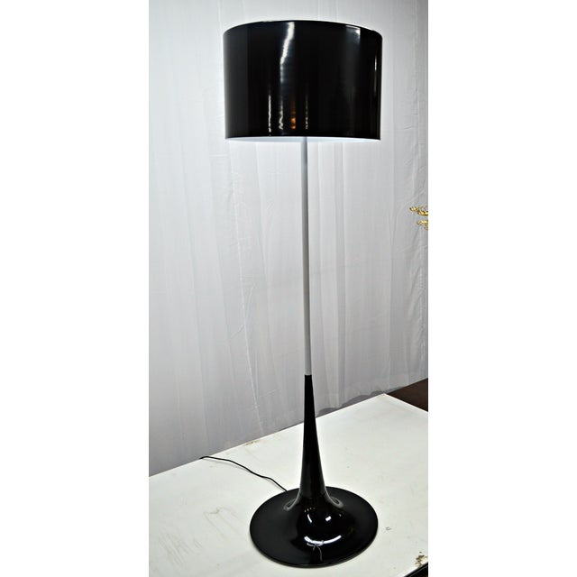 Mid Century Black & White Tulip Floor Lamp - Image 3 of 5