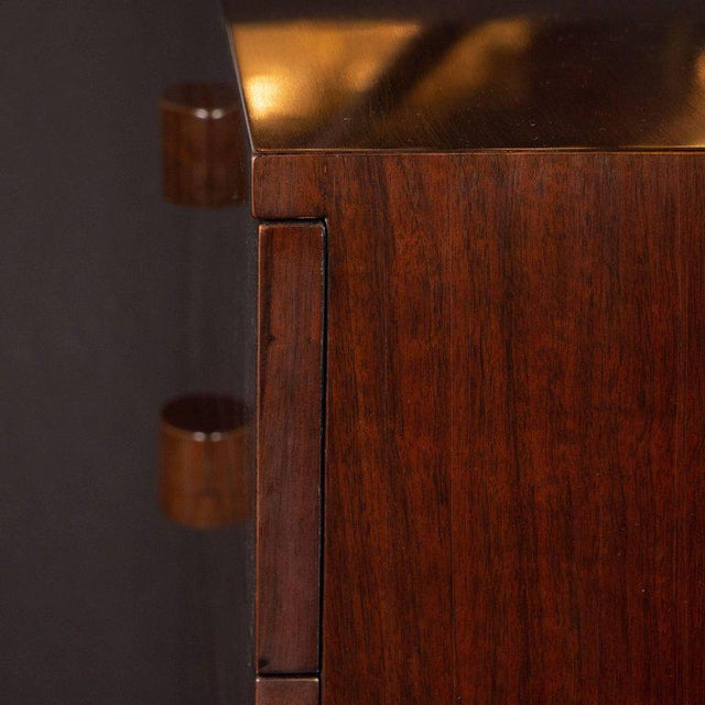 Midcentury Chest in Bookmatched Walnut by Gilbert Rohde for Herman Miller For Sale In New York - Image 6 of 8