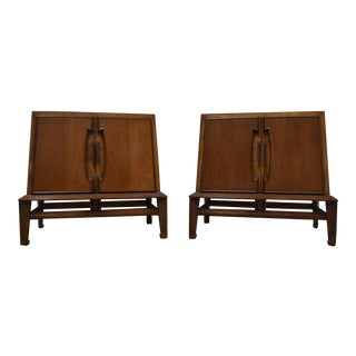 Hobey Helen for Baker Nightstands - a Pair For Sale