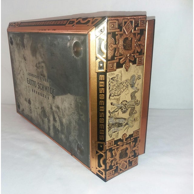 Antique E. Otto Schmidt Nuremberg Large Biscuit Tin - Medieval Scenes For Sale In Los Angeles - Image 6 of 8