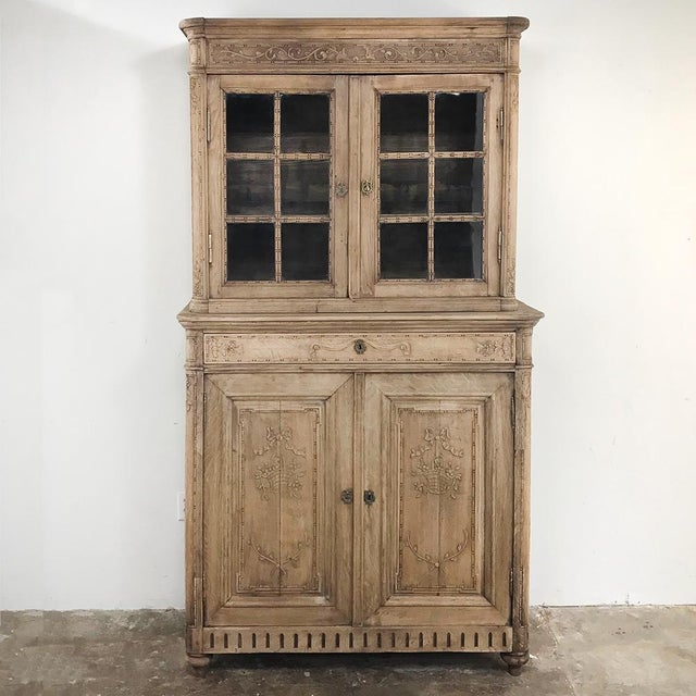 19th Century Country French Stripped Louis XVI Vitrine - Cabinet For Sale - Image 13 of 13