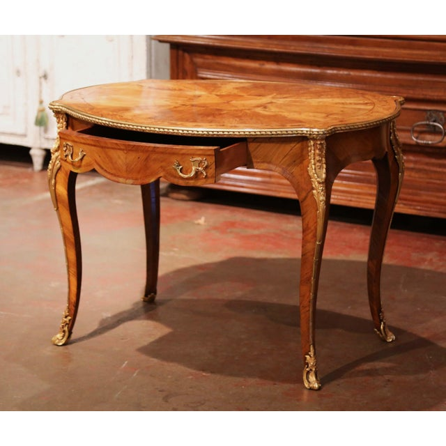 19th Century French Louis XV Oval Walnut Marquetry and Bronze Center Table For Sale In Dallas - Image 6 of 13