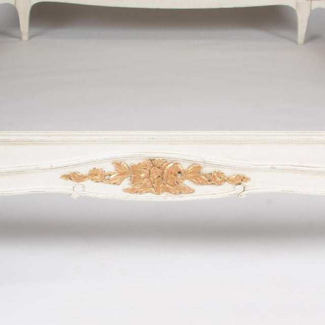 1940s French Louis XV Style Queen Size Painted and Carved Burlap Bedframe For Sale In Philadelphia - Image 6 of 7