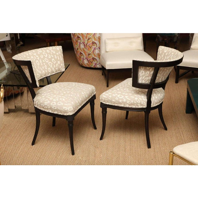 Mid-Century Modern Pair of Sculptural Hollywood Regency Grosfeld House Side Chairs For Sale - Image 3 of 10