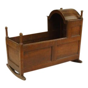 American Country oak cradle with hooded front section with finials For Sale