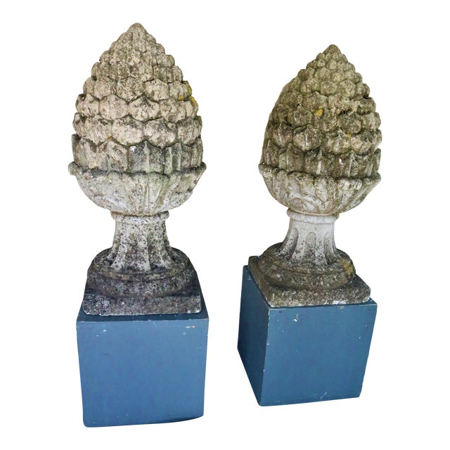 Large Pair of Early 20th Century English Cast Stone Aritchoke Garden Ornamental Finials For Sale