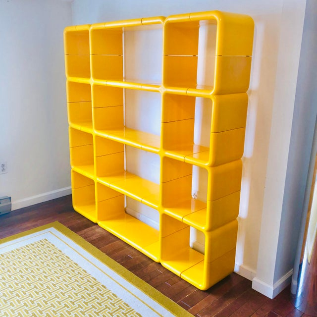 Directional 1970s Umbo Yellow Plastic Modular Shelving System - Made of 25 Pieces For Sale - Image 4 of 5