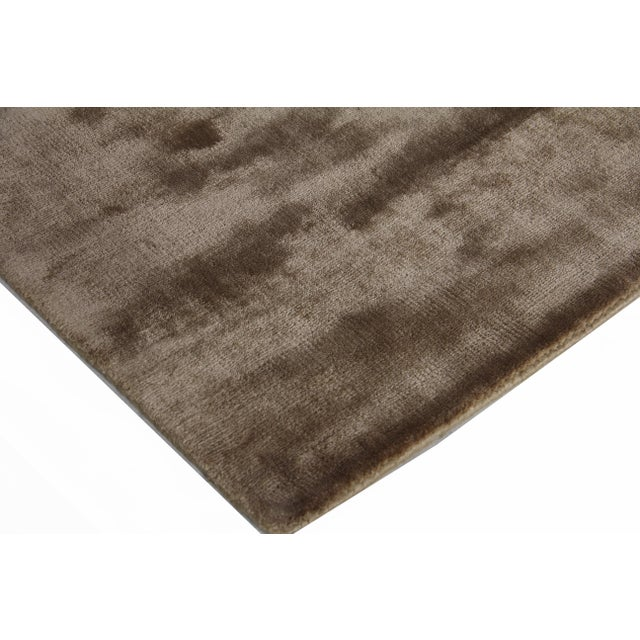Exquisite Rugs Durham Hand loom Viscose Khaki Rug-8'x10' For Sale In Los Angeles - Image 6 of 7
