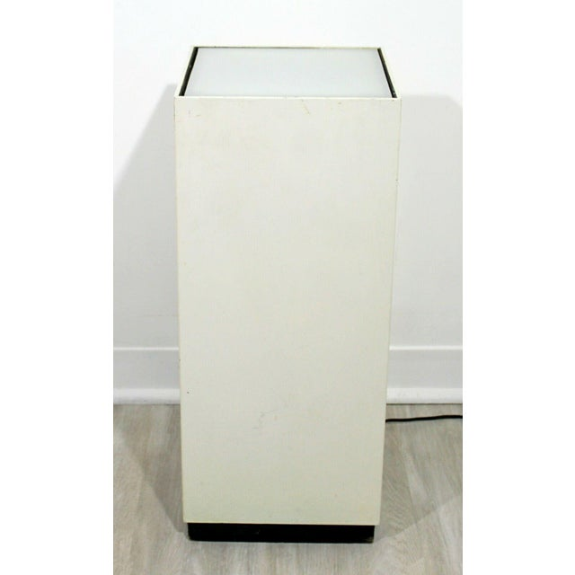 Contemporary Modern Square Lighted Display Pedestal Table For Sale - Image 4 of 10