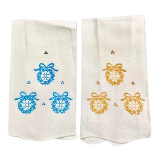 Vintage Embroidered Wreath Hand Towels-A Pair For Sale