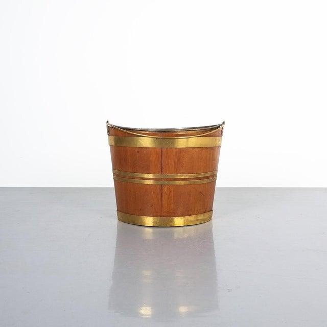 Early 19th Century Irish 19th Century Oval Oak Brass Peat Bucket For Sale - Image 5 of 8