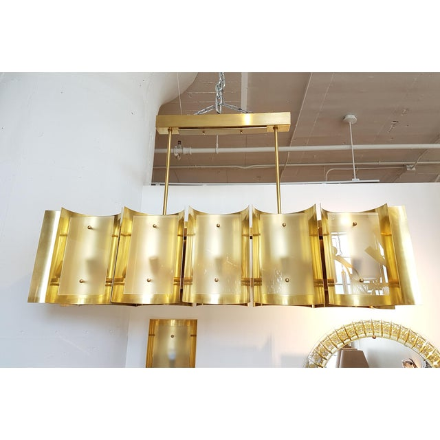 D'Lightus bespoke curved brass and frosted glass 12 lights chandelier - Image 7 of 8