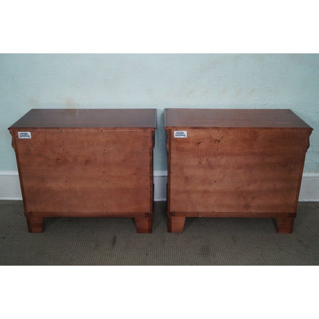 """Ethan Allen Ethan Allen British Classics """"Daryn"""" Chests Nightstands - A Pair For Sale - Image 4 of 10"""