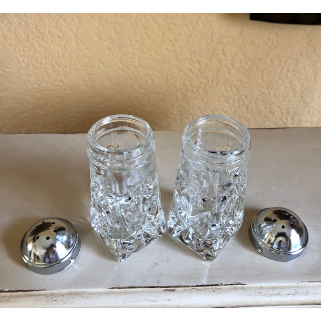 Early American Prescut Eapc Salt & Pepper Shaker Set by Anchor Hocking - a Pair For Sale - Image 9 of 13