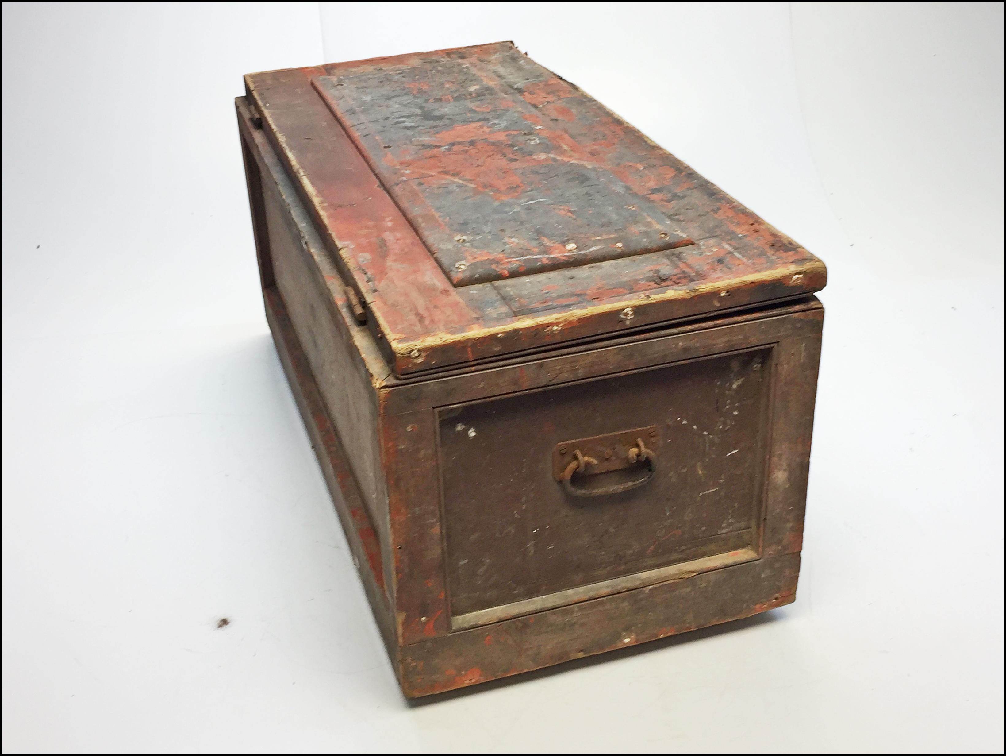 Vintage Primitive Red Painted Wood Carpenter Chest   Image 6 Of 13