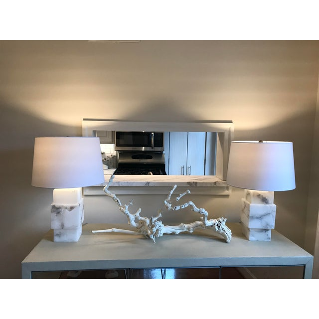 Contemporary Minimalist Modern Alabaster Lamp With Shade For Sale - Image 3 of 6