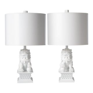 Barabara Cosgrove Foo Dog White Table Lamps - a Pair For Sale